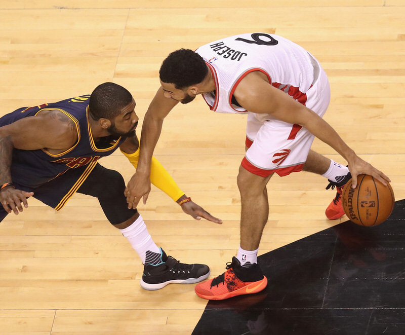 Cleveland+Cavaliers+v+Toronto+Raptors+Game+_AP15lCo3zsx
