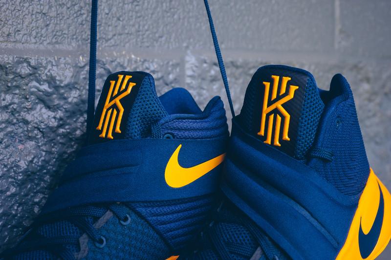 Nike Kyrie 2 Cavs