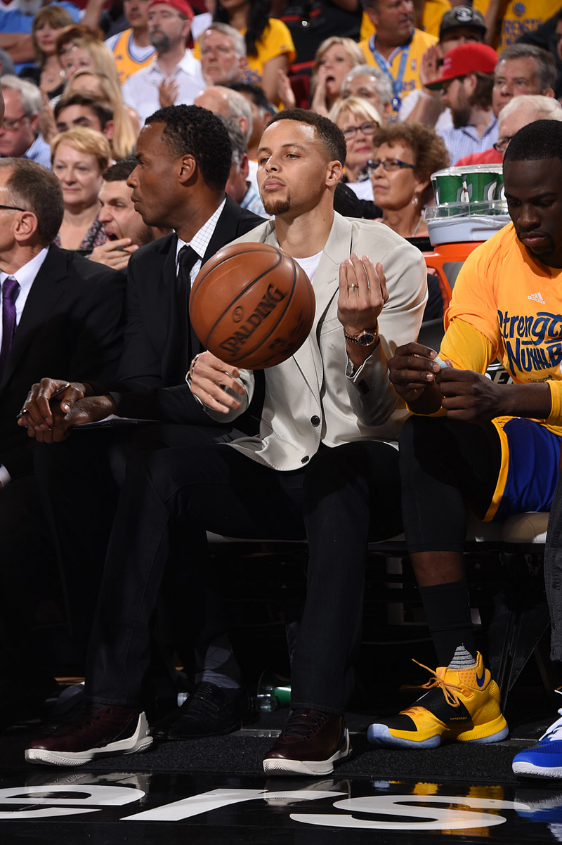 PORTLAND, OR - MAY 7: Stephen Curry #30 of the Golden State Warriors looks on against the Portland Trail Blazers in Game Three of the Western Conference Semifinals during the 2016 NBA Playoffs on May 7, 2016 at the Moda Center in Portland, Oregon. NOTE TO USER: User expressly acknowledges and agrees that, by downloading and or using this Photograph, user is consenting to the terms and conditions of the Getty Images License Agreement. Mandatory Copyright Notice: Copyright 2016 NBAE (Photo by Andrew D. Bernstein/NBAE via Getty Images)
