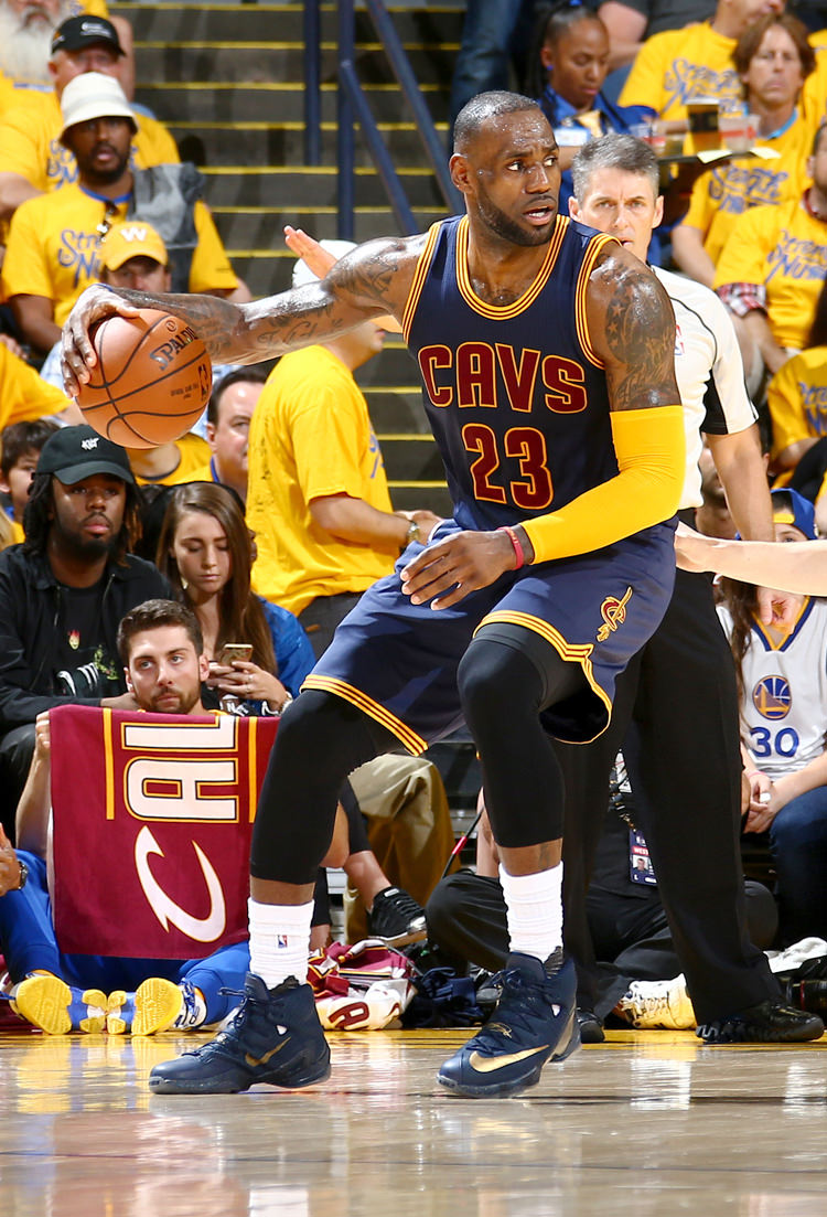 OAKLAND, CA - JUNE 5: LeBron James #23 of the Cleveland Cavaliers handles the ball against Klay Thompson #11 of the Golden State Warriors in Game Two of the 2016 NBA Finals on June 5, 2016 at Oracle Arena in Oakland, California. NOTE TO USER: User expressly acknowledges and agrees that, by downloading and or using this photograph, user is consenting to the terms and conditions of Getty Images License Agreement. Mandatory Copyright Notice: Copyright 2016 NBAE (Photo by Nathaniel S. Butler/NBAE via Getty Images)