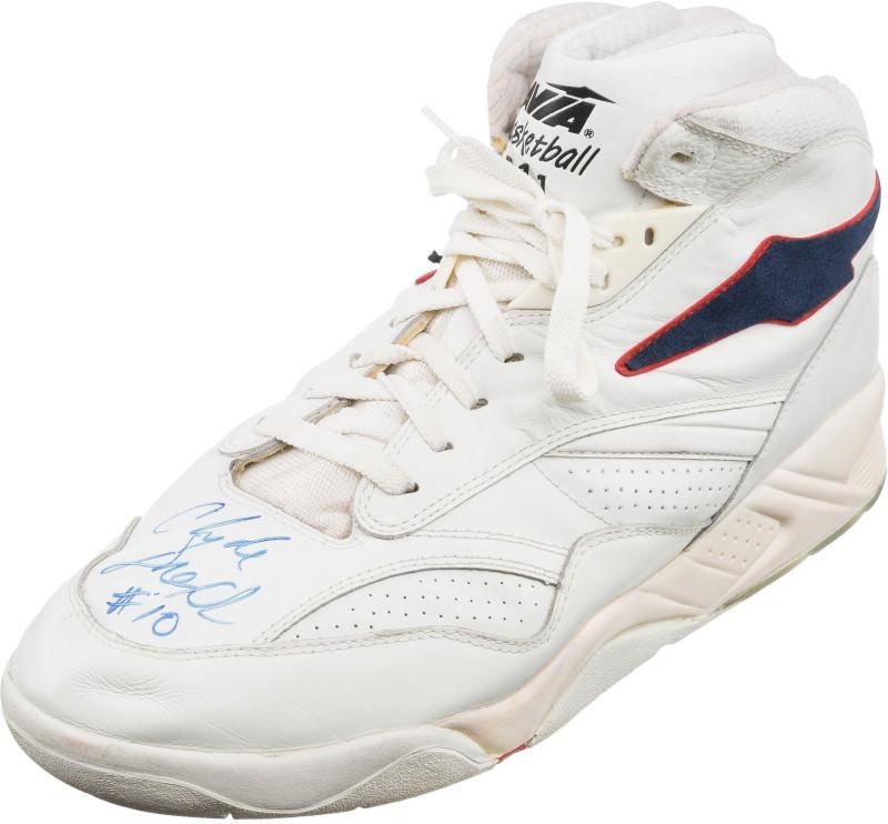 Clyde dream-team-sneaker-auction-clyde-drexler-avia-arc-911_wjl4gm
