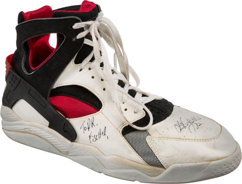 Laet dream-team-sneaker-auction-christian-laettner-nike-air-flight-huarache_rqurrc