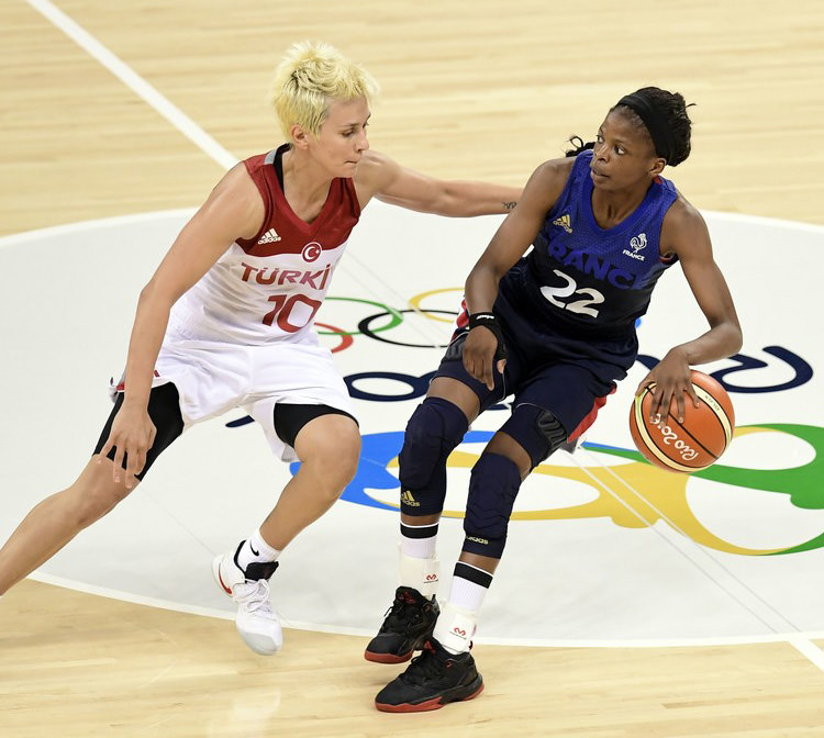 Olivia Epoupa Basketball+Olympics+Day+1+A1yz3z_DD6jx
