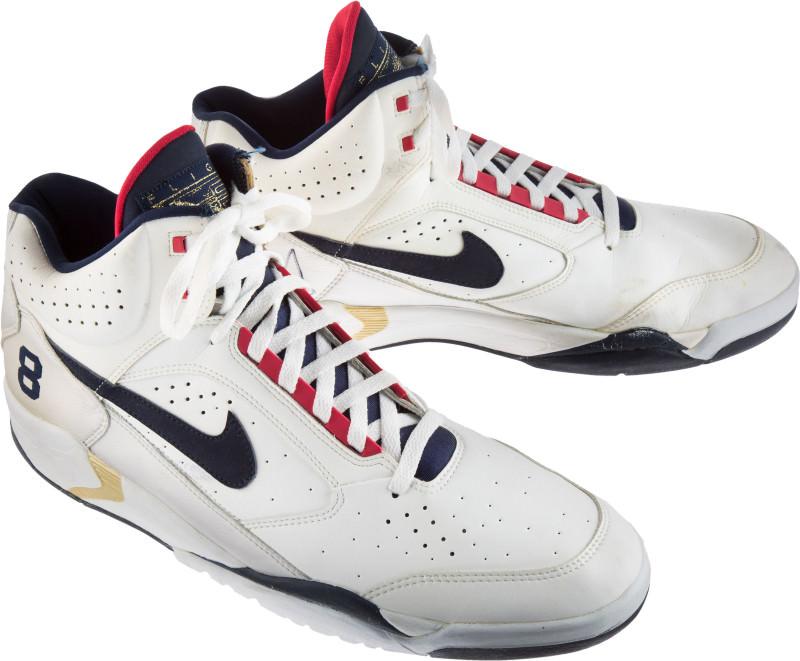 Pip dream-team-sneaker-auction-scottie-pippen-nike-air-flight-lite_o0lshd