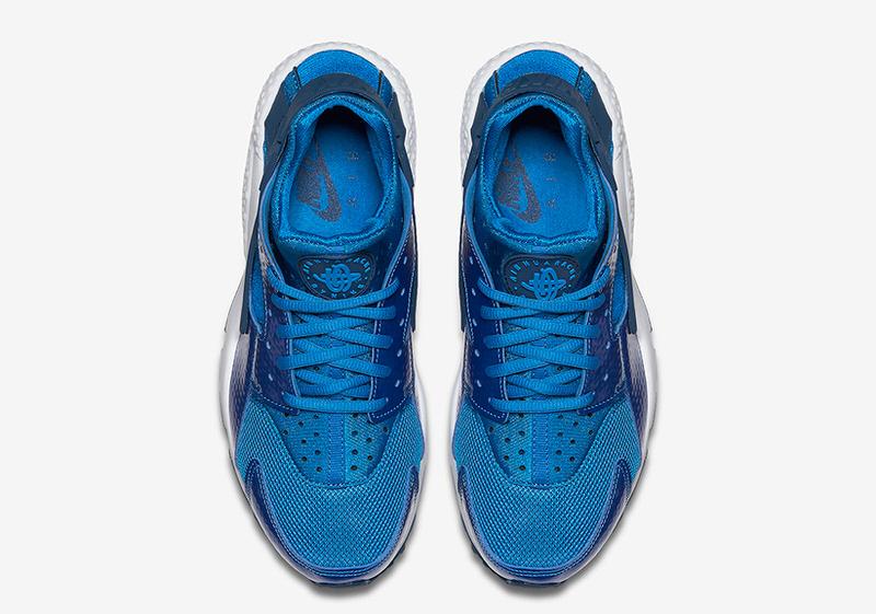 Nike Air Huarache Metallic Blue
