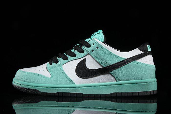 Nike SB Dunk Low Sea Crystal