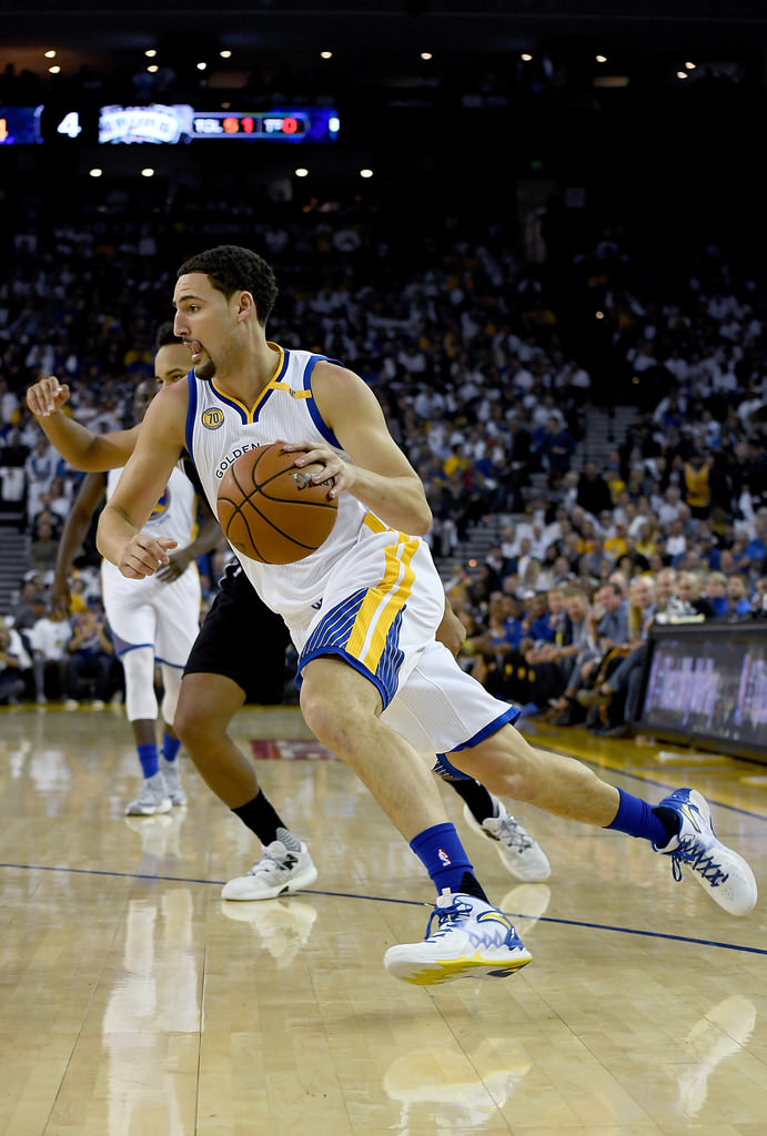 Klay Thompson drives in the ANTA KT2