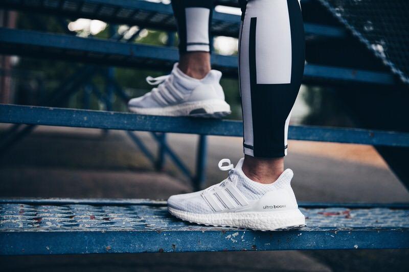 d764a405f adidas ultra boost triple white