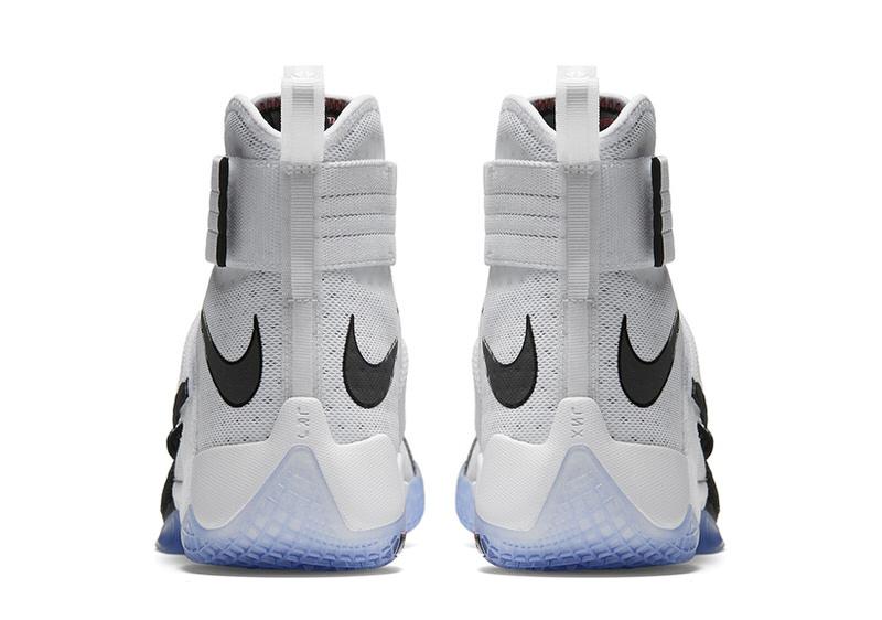 Nike LeBron Soldier 10 \