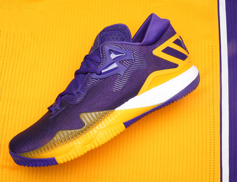 brandon-ingram-adidas-crazylight-boost-2016-pe-lakers-1