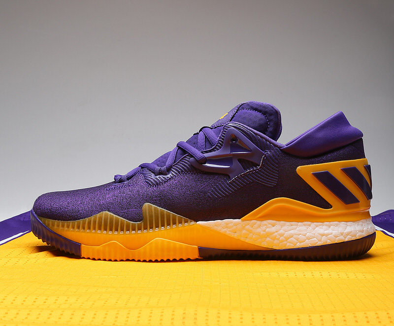 brandon-ingram-adidas-crazylight-boost-2016-pe-lakers-10