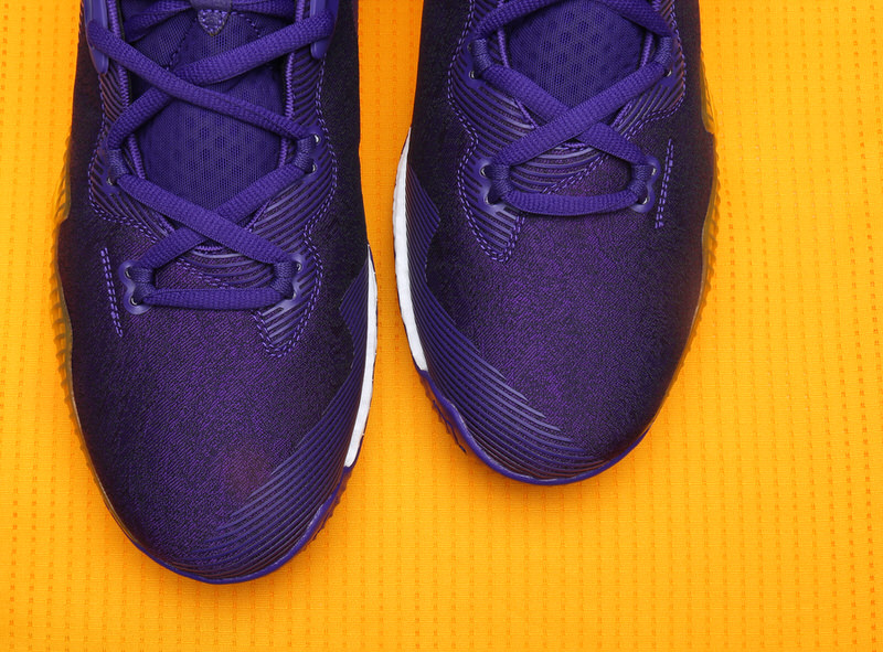 brandon-ingram-adidas-crazylight-boost-2016-pe-lakers-2