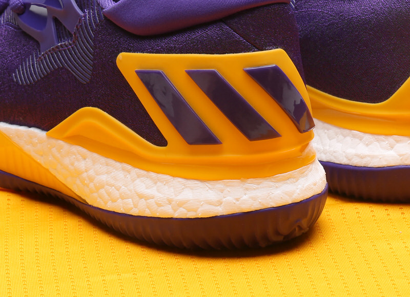 brandon-ingram-adidas-crazylight-boost-2016-pe-lakers-8