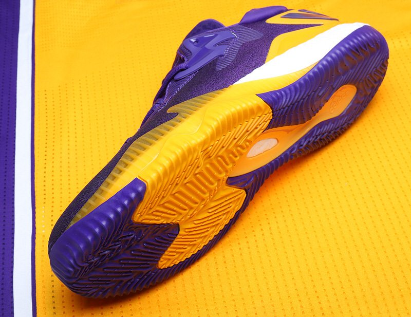 brandon-ingram-adidas-crazylight-boost-2016-pe-lakers-9