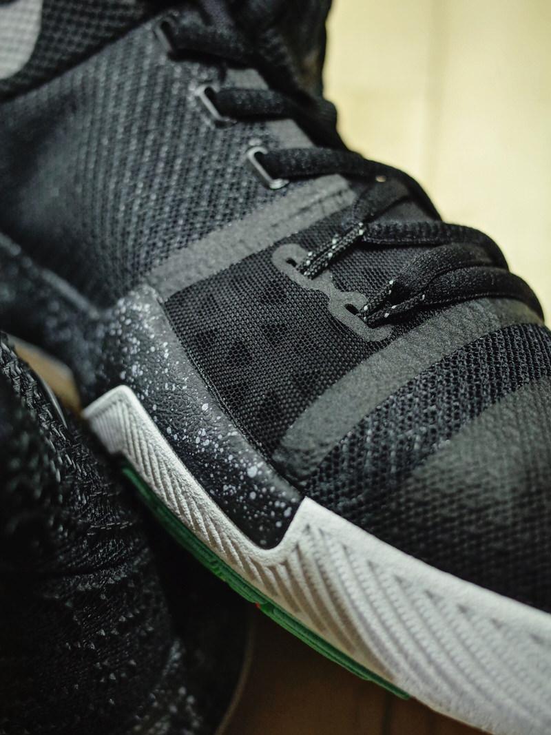 "Nike Kyrie 3 ""Black Ice"""
