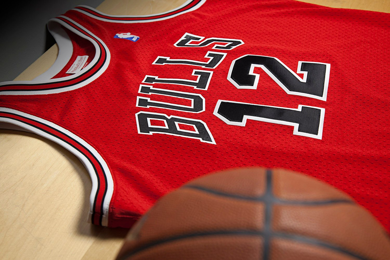 fpvhds Michael Jordan\'s #12 Jersey Brought Back by Mitchell & Ness | Nice