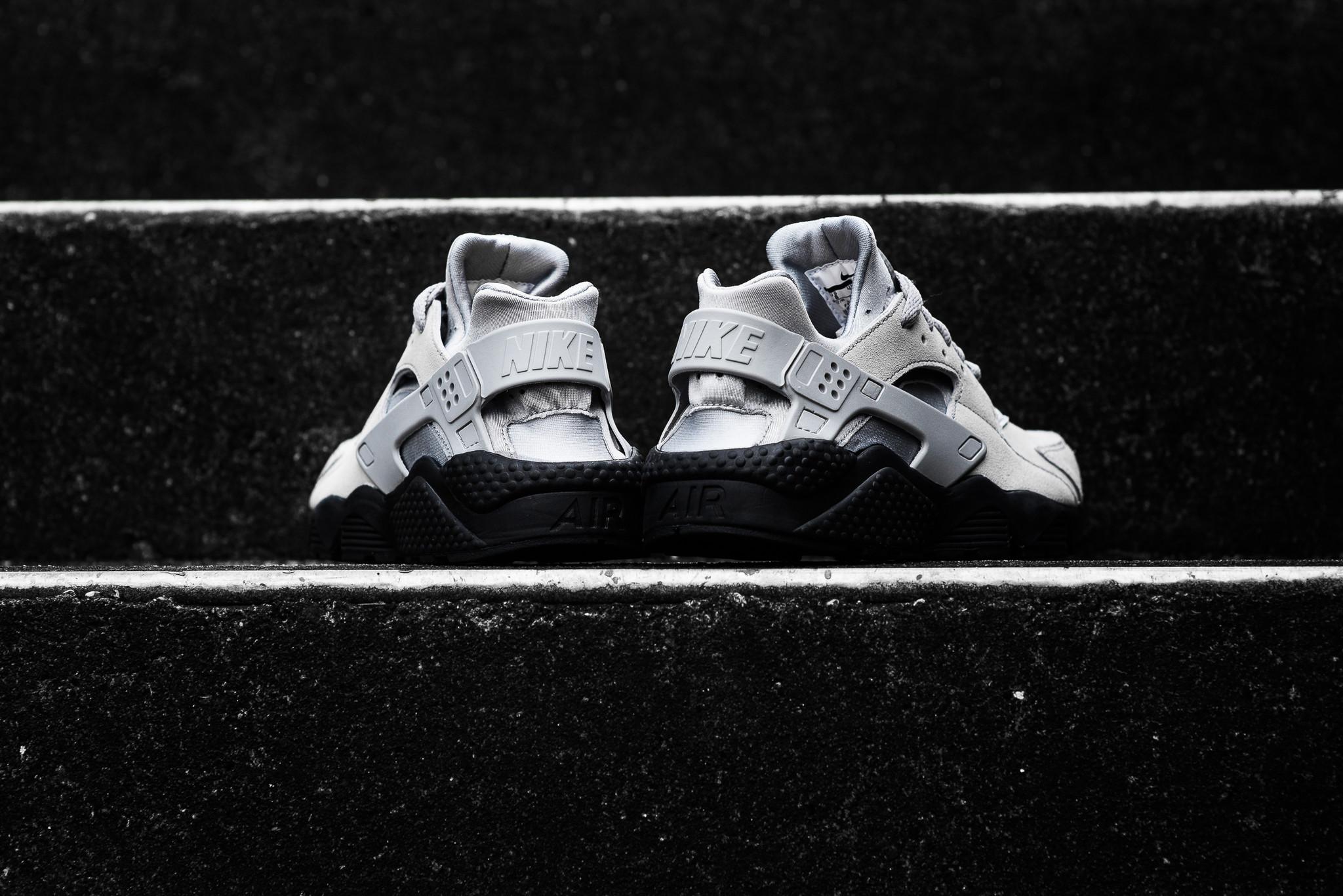 """Nike Air Huarache Run """"Matte Silver"""""""