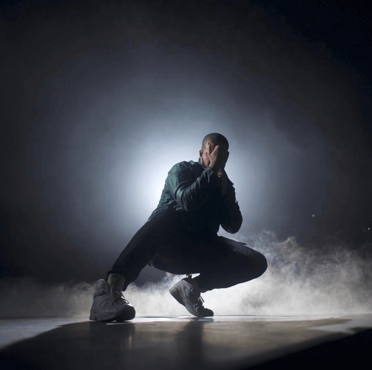 """Drake in Air Jordan 8 Retro """"OVO"""""""