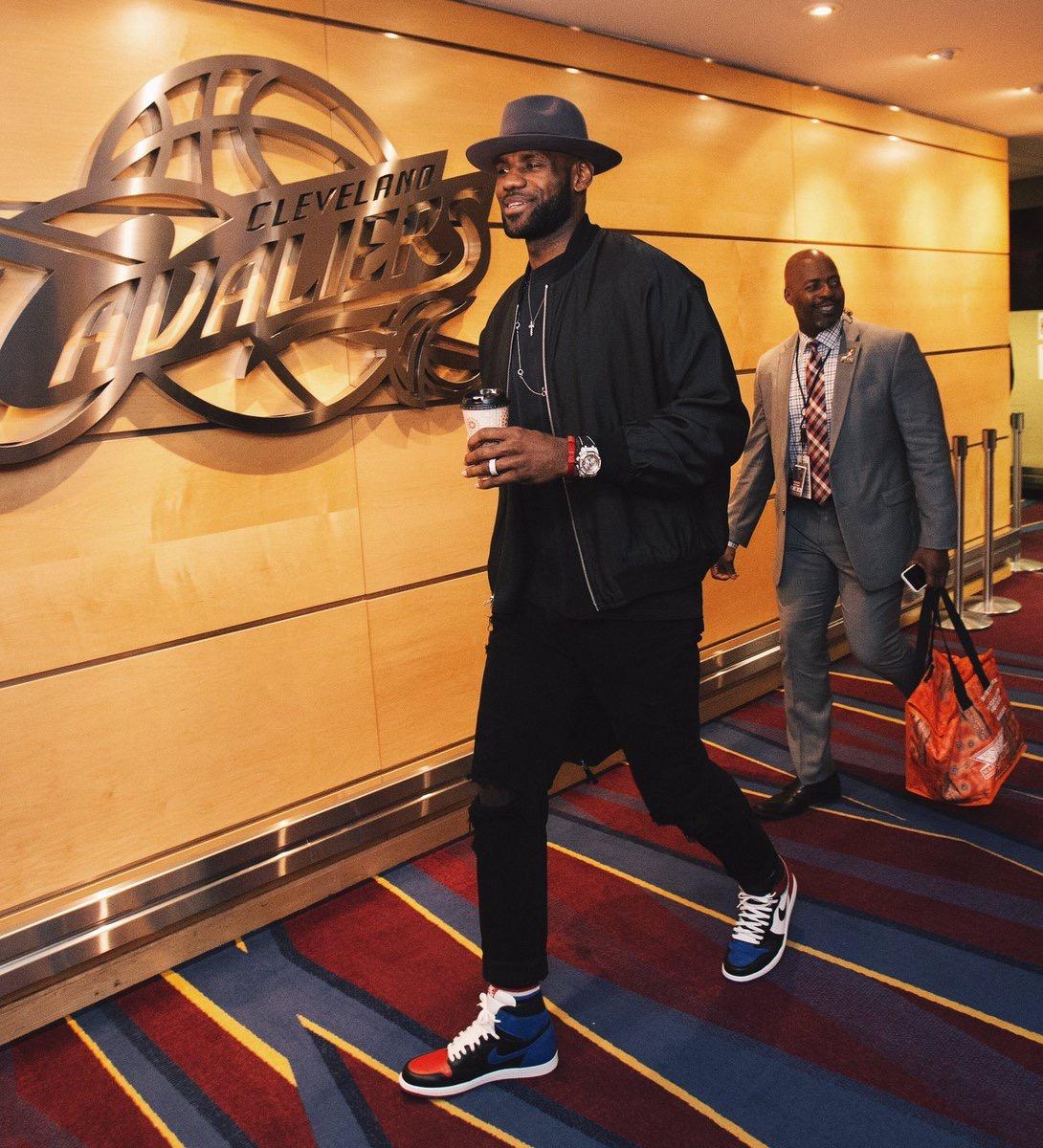 """LeBron James in the Air Jordan 1 """"Top 3"""""""