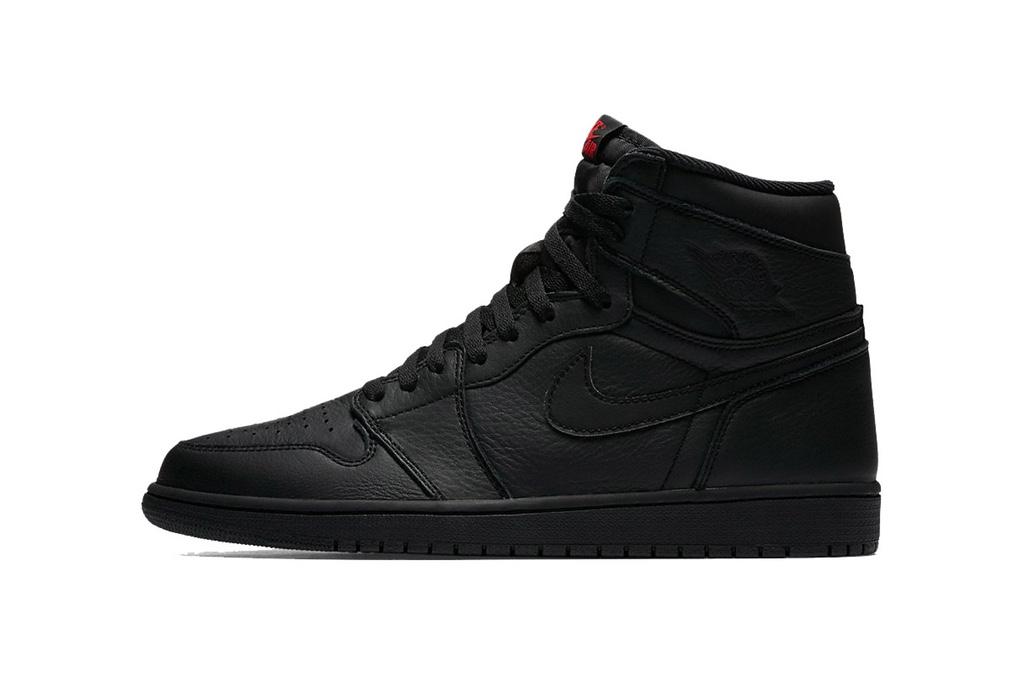 """Air Jordan 1 """"Triple Black"""""""