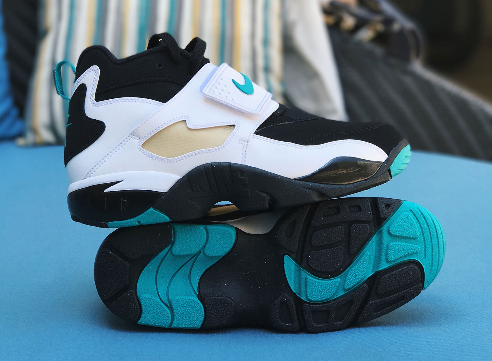 "Nike Air Diamond Turf ""Emerald"""