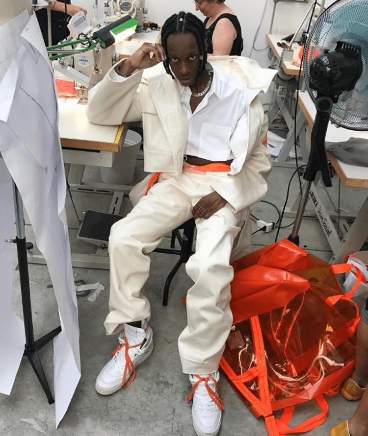 Bloody Osiris in Off-White sneakers