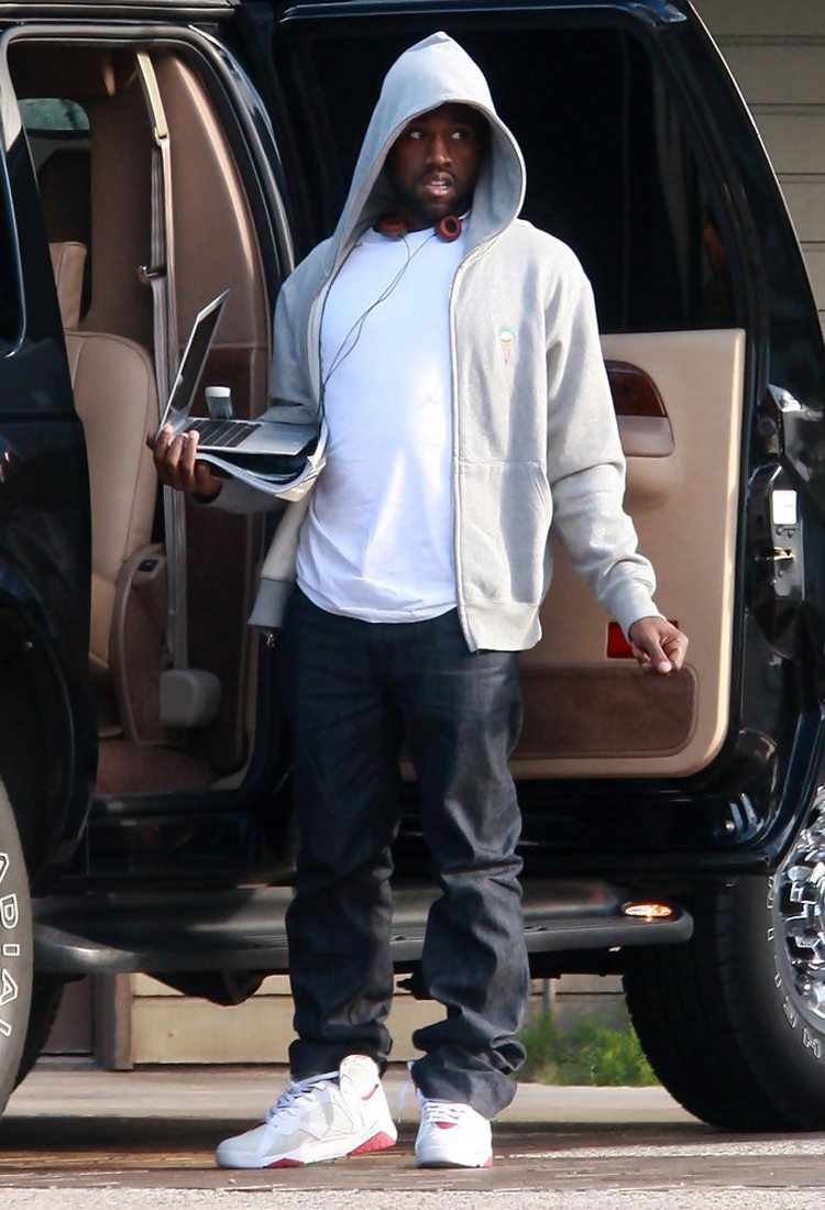 Kanye West in the Air Jordan 7 Hare