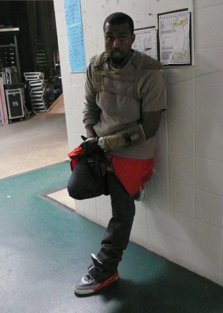 kanye west wearing new yeezys