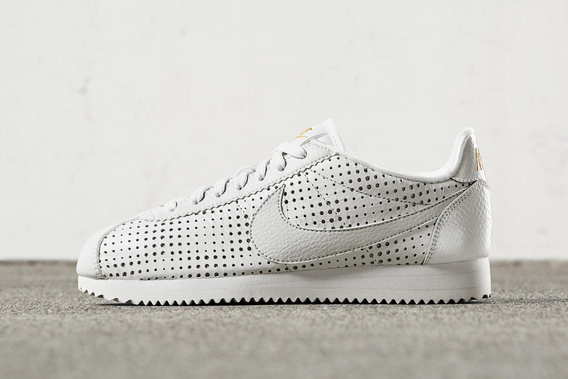 nike just dropped a new cortez for the ladies nice kicks. Black Bedroom Furniture Sets. Home Design Ideas