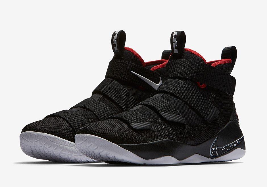 Nike LeBron Soldier 11 \