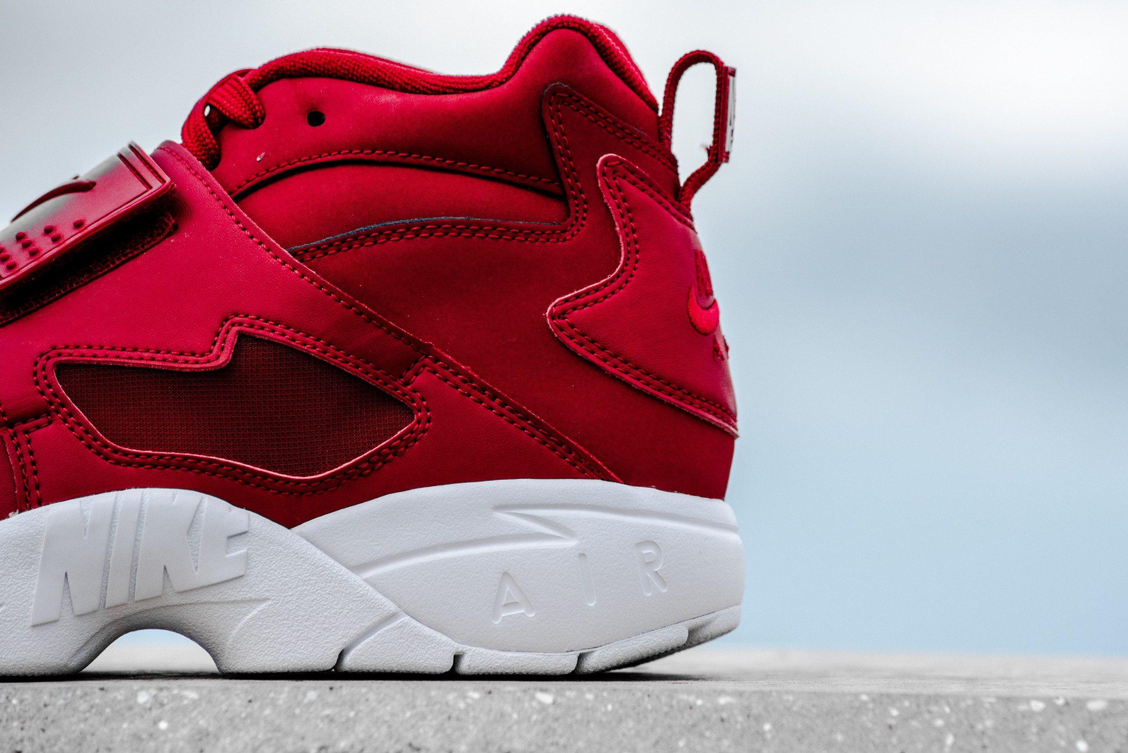 """Nike Air Diamond Turf """"Gym Red"""""""