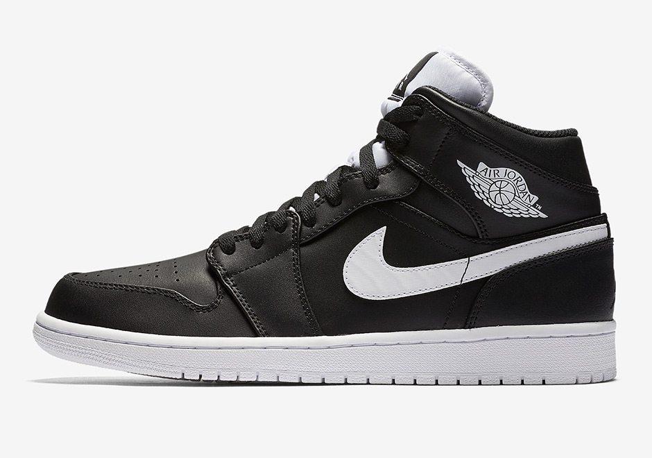 Air Jordan 1 Mid Black/White Gets
