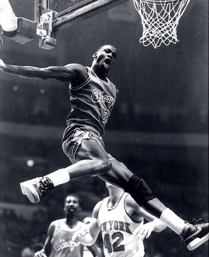 Michael Jordan wearing the Nike Air Ship in Black/Red in final NBA Preseason game against New York Knicks on October 18, 1984