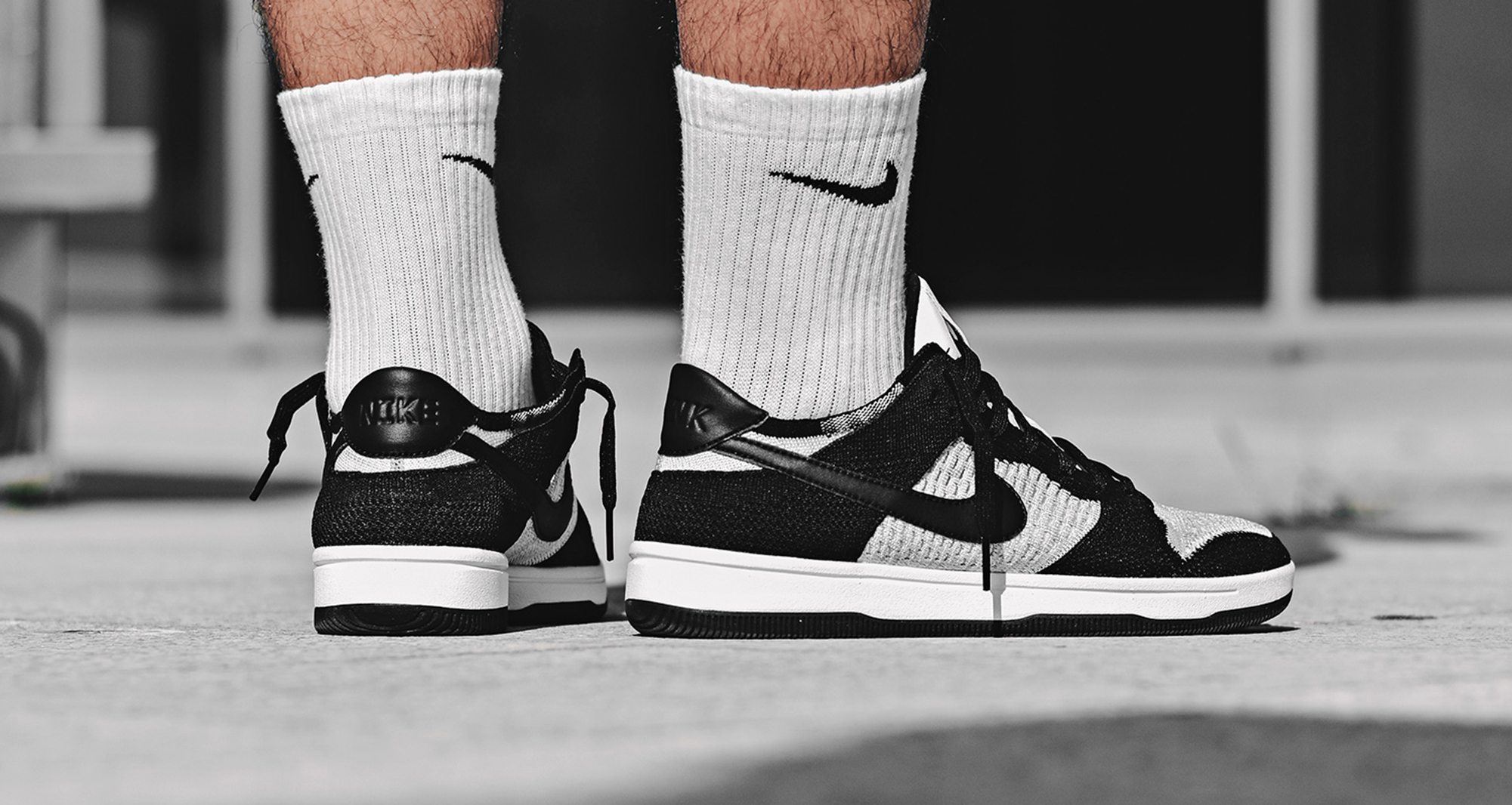 Nike Dunk Low Flyknit Black/White
