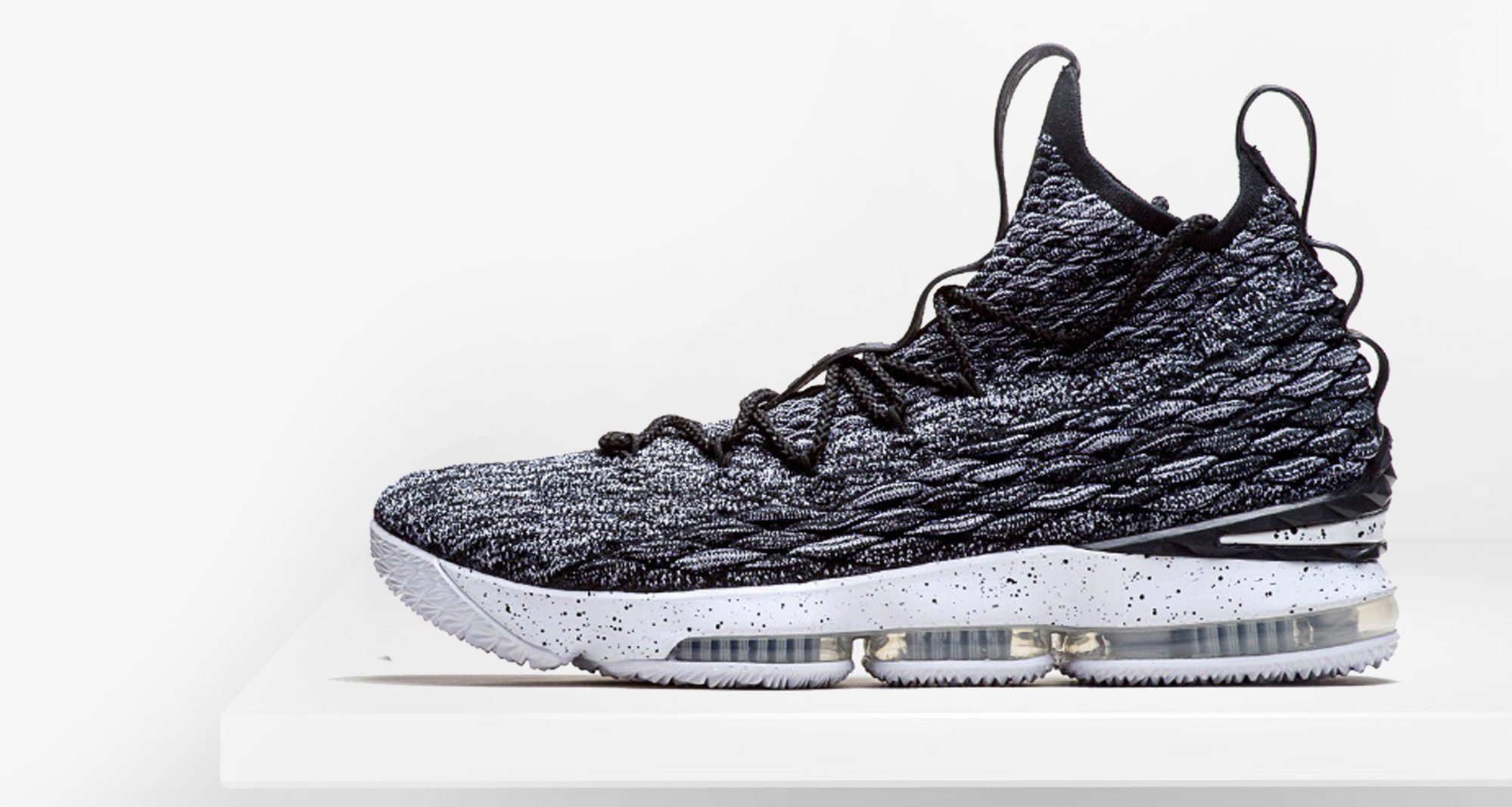 """Another Look at the Nike LeBron 15 """"Ashes"""" 