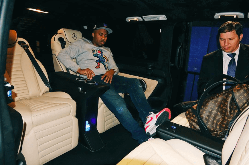 Nas in the Nike Air Max 1