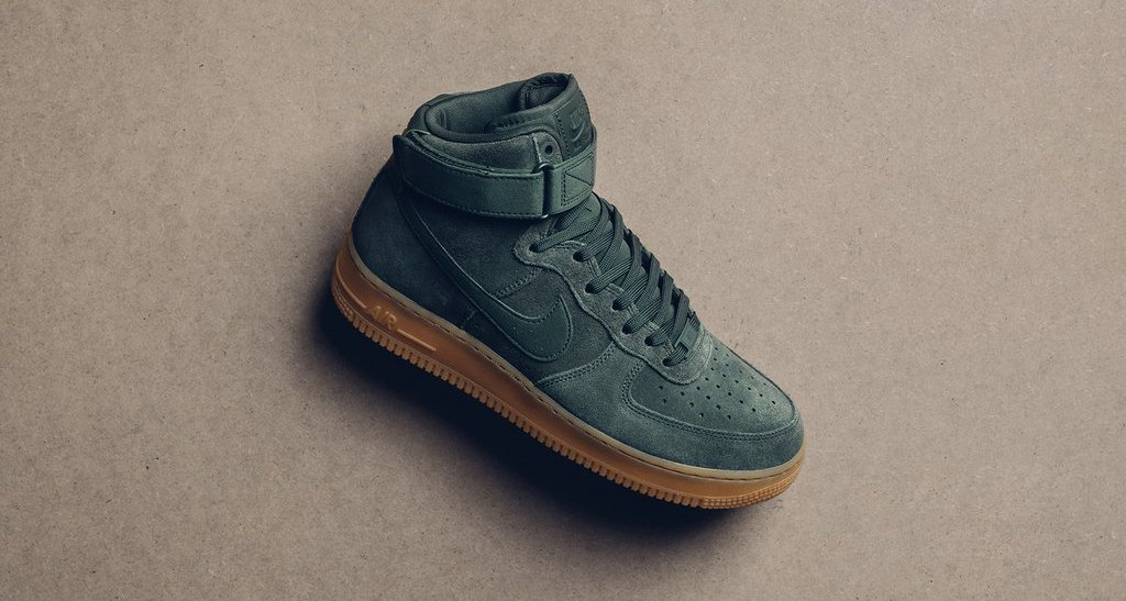 "Nike Air Force 1 High Suede ""Vintage Green"""