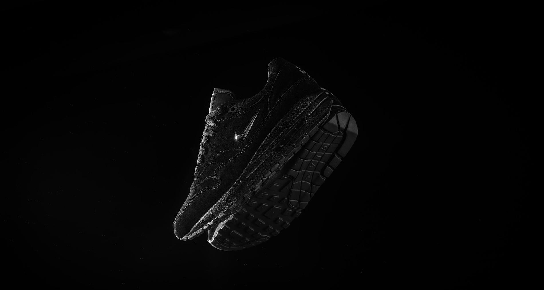 air max 1 black jewel