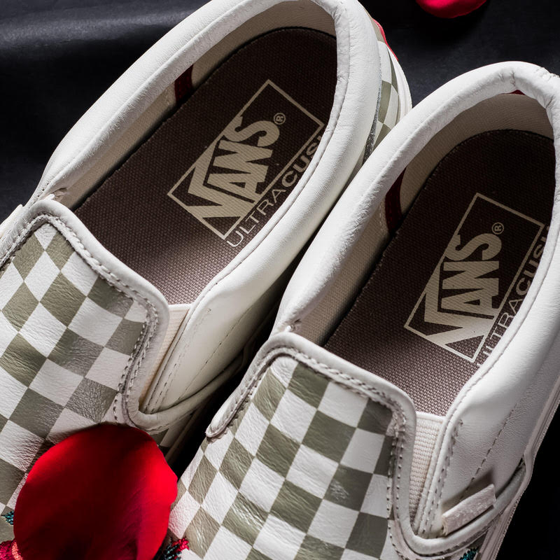 """Vans Classic Slip DX """"Rose Embroidery"""""""