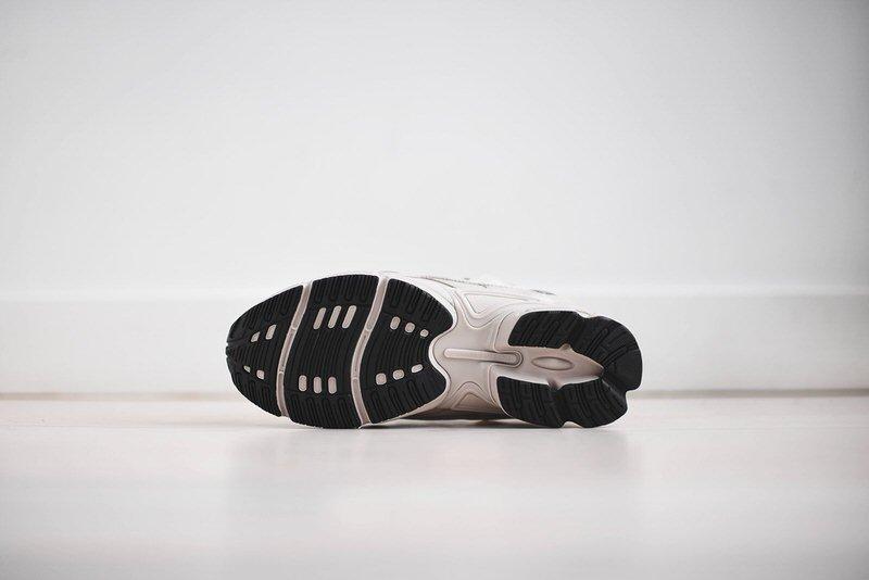 Raf Simons x adidas Ozweego III Cream/Stone