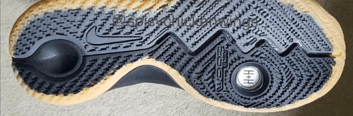 Nike Kyrie Black/Gum