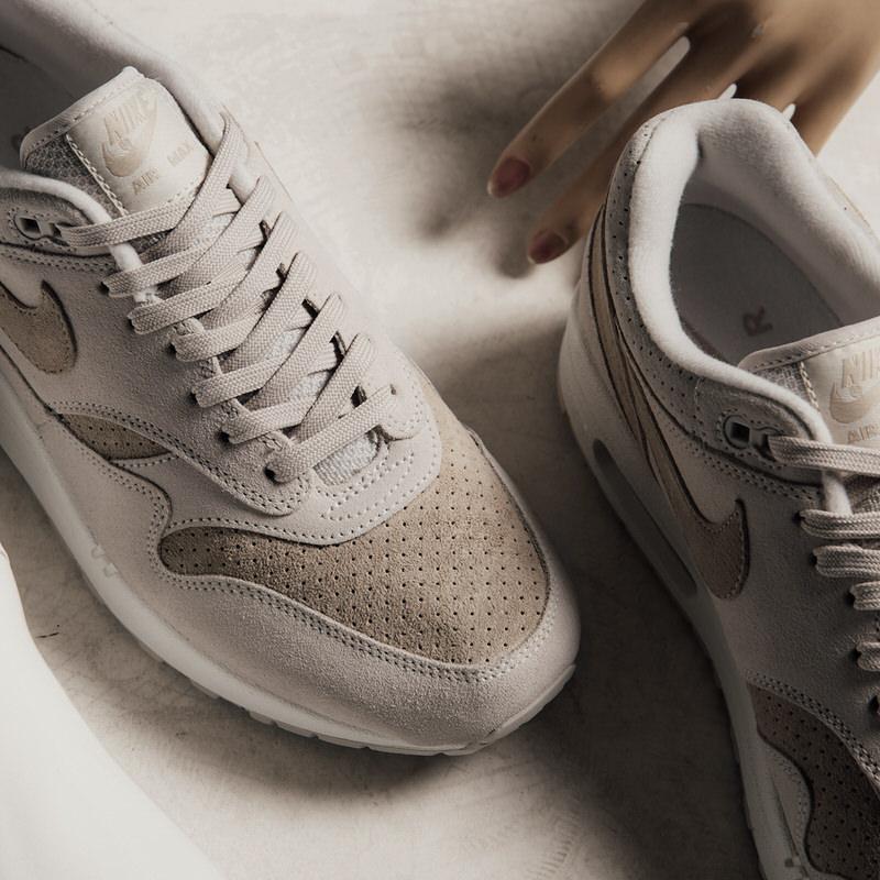 Nike Air Max 1 Premium \