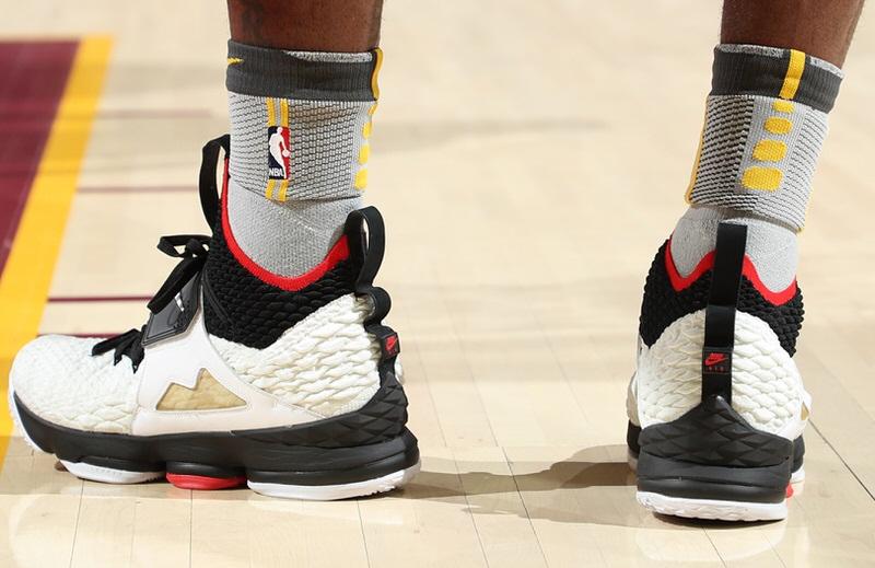 "Nike LeBron 15 ""Diamond Turf"""