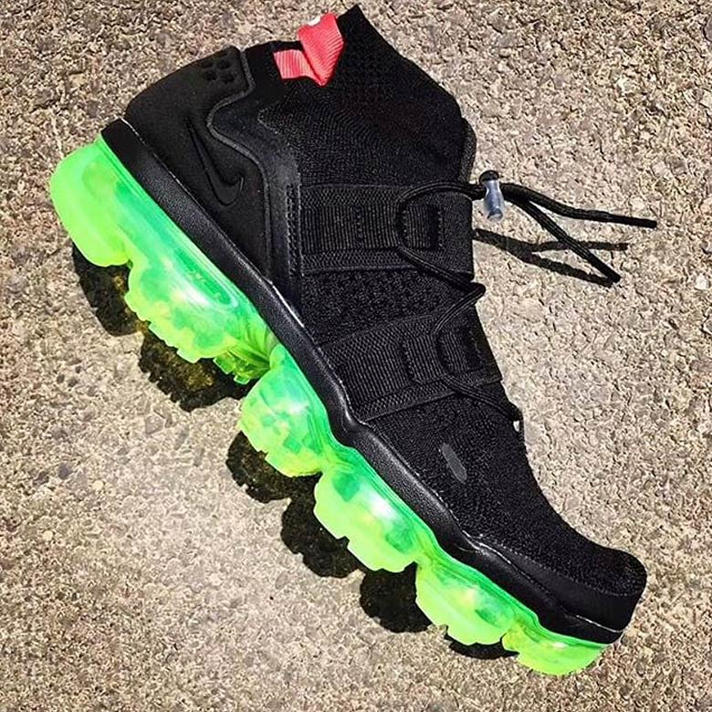 black and lime green vapormax