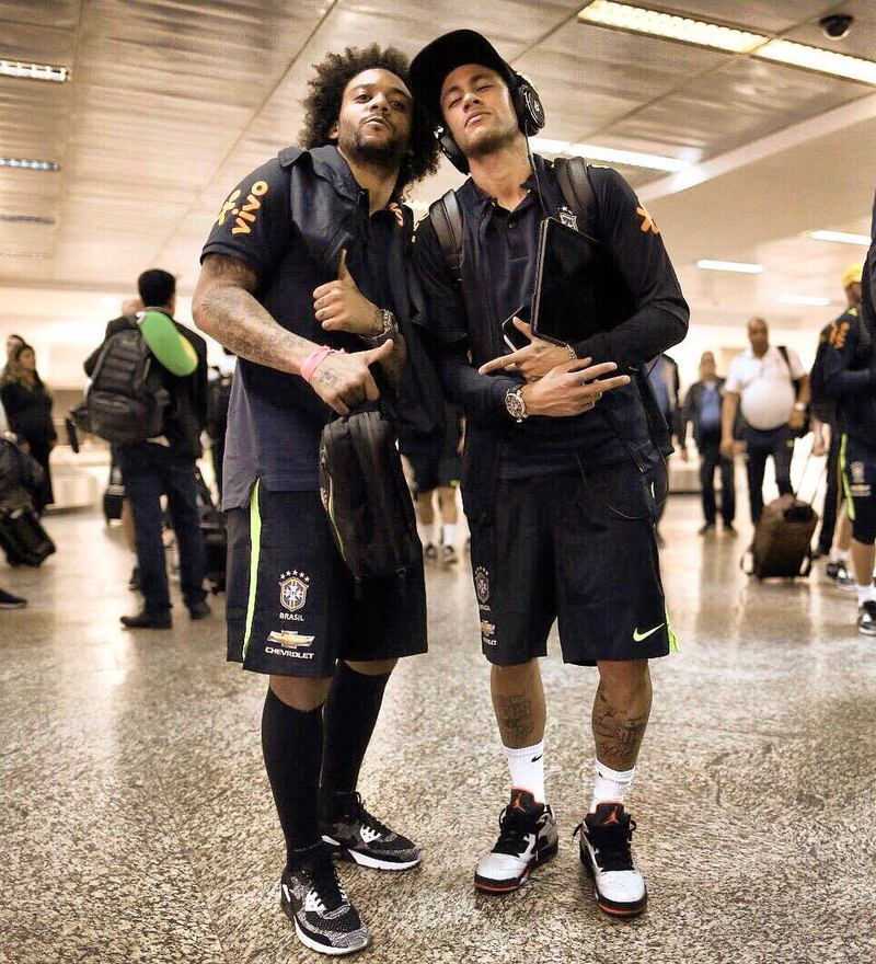 Having a signature shoe is one way to spot Neymar walking through the airport.