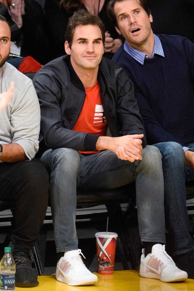 What S In Their Wardrobe Roger Federer Nice Kicks