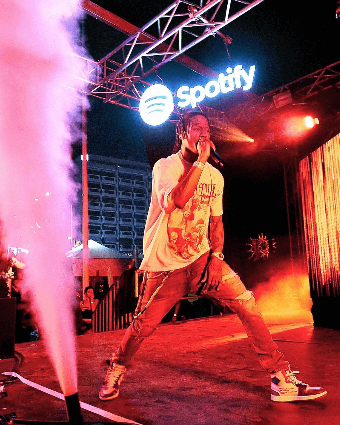 Travis Scott in the Off White x Air Jordan 1