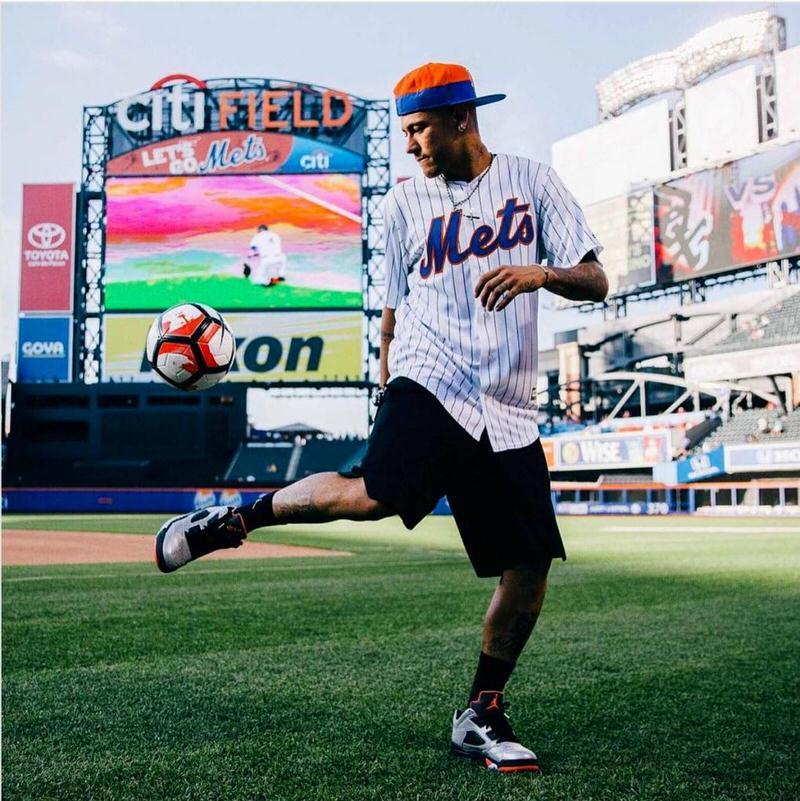 Neymar's met all of the Mets wardrobe dress code here.