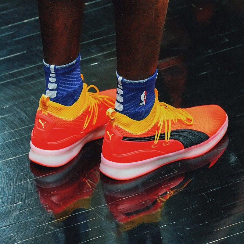 deandre ayton basketball shoes