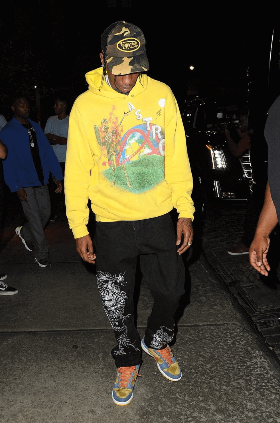 "Travis Scott in the Nike Dunk SB High ""Papa Bear"""